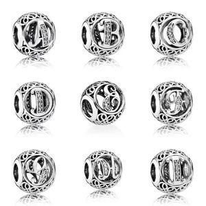 Jewelry - Charm letter 🤩(U)🤩